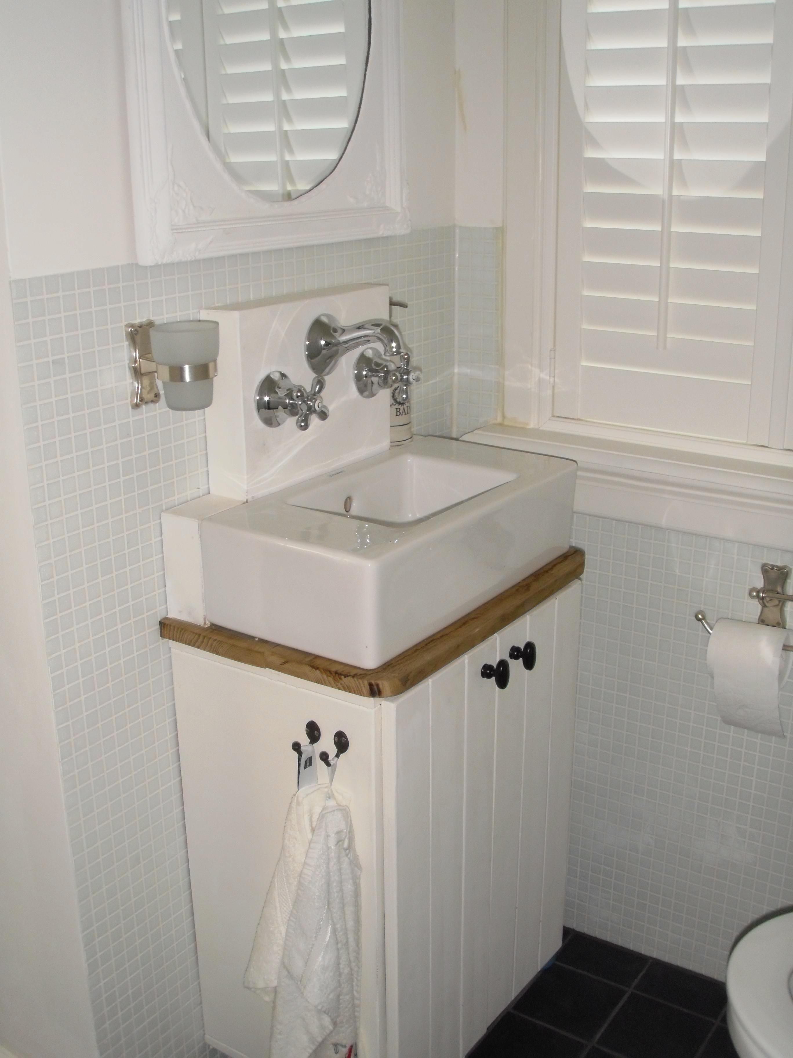 Landelijke badkamer meubel eiken wj oude bouwmaterialen - Badkamer badkamer meubels ...