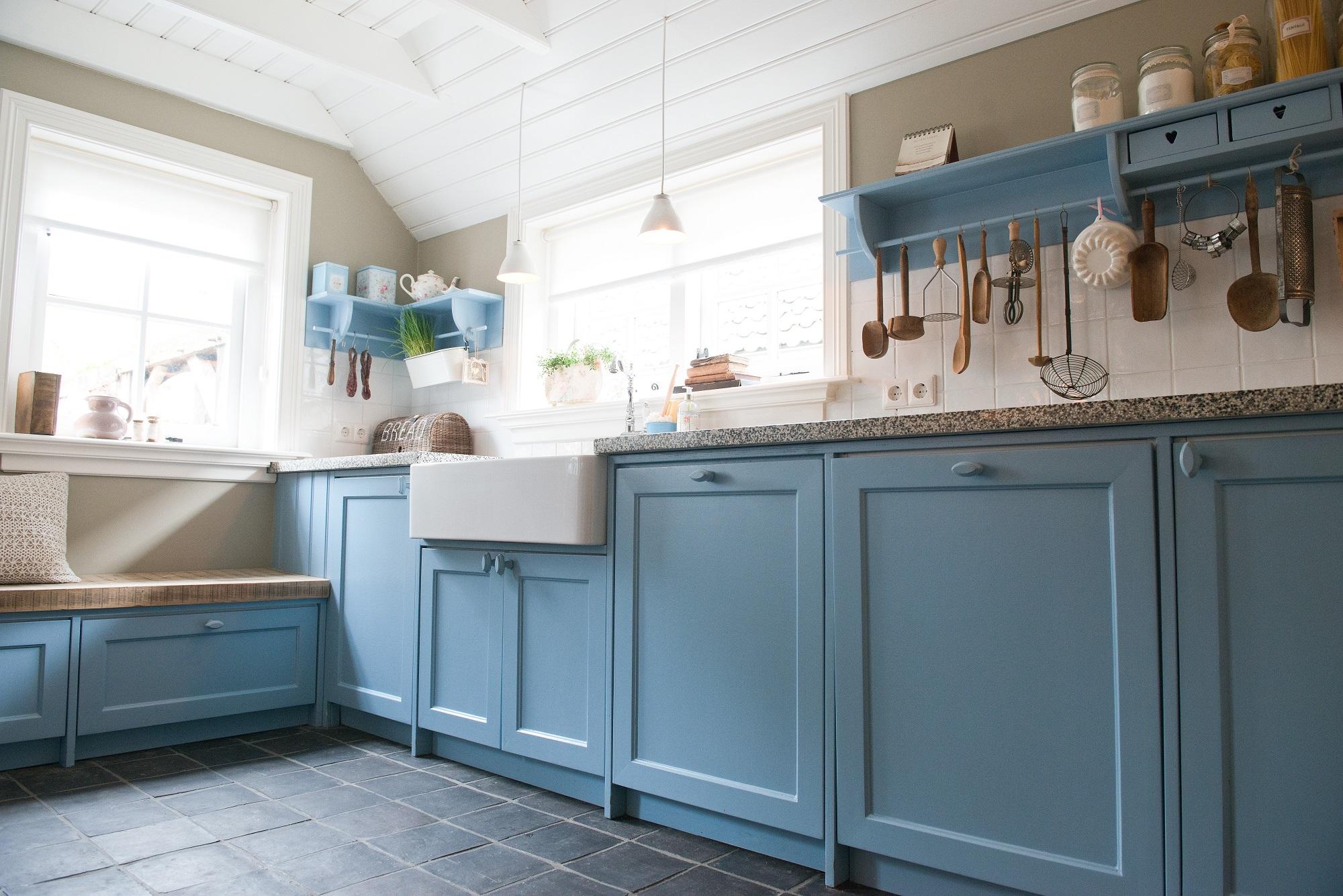 Landelijke blauwe keuken wj oude bouwmaterialen