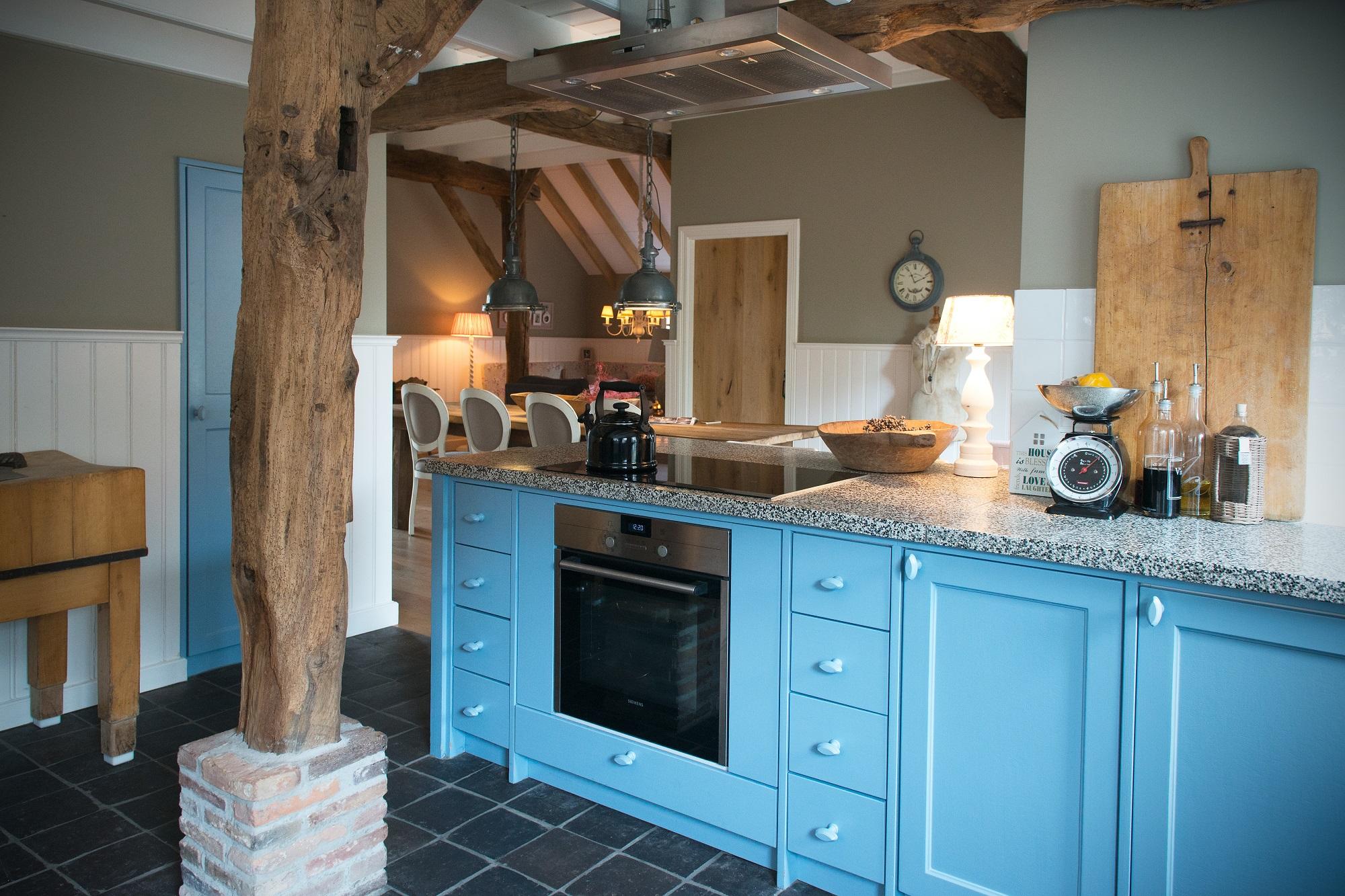 Blauwe Landelijke Keuken : blauwe keuken